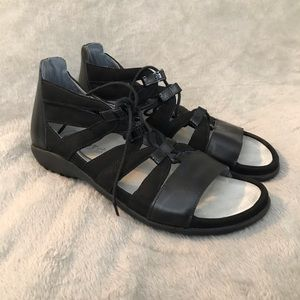 NEW NAOT Selo Black Lace-Up Sandal Comfort Shoe 8